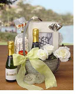 Wedding Gift Basket Delivery : wedding bells basket the basket contains two splits of codorniu